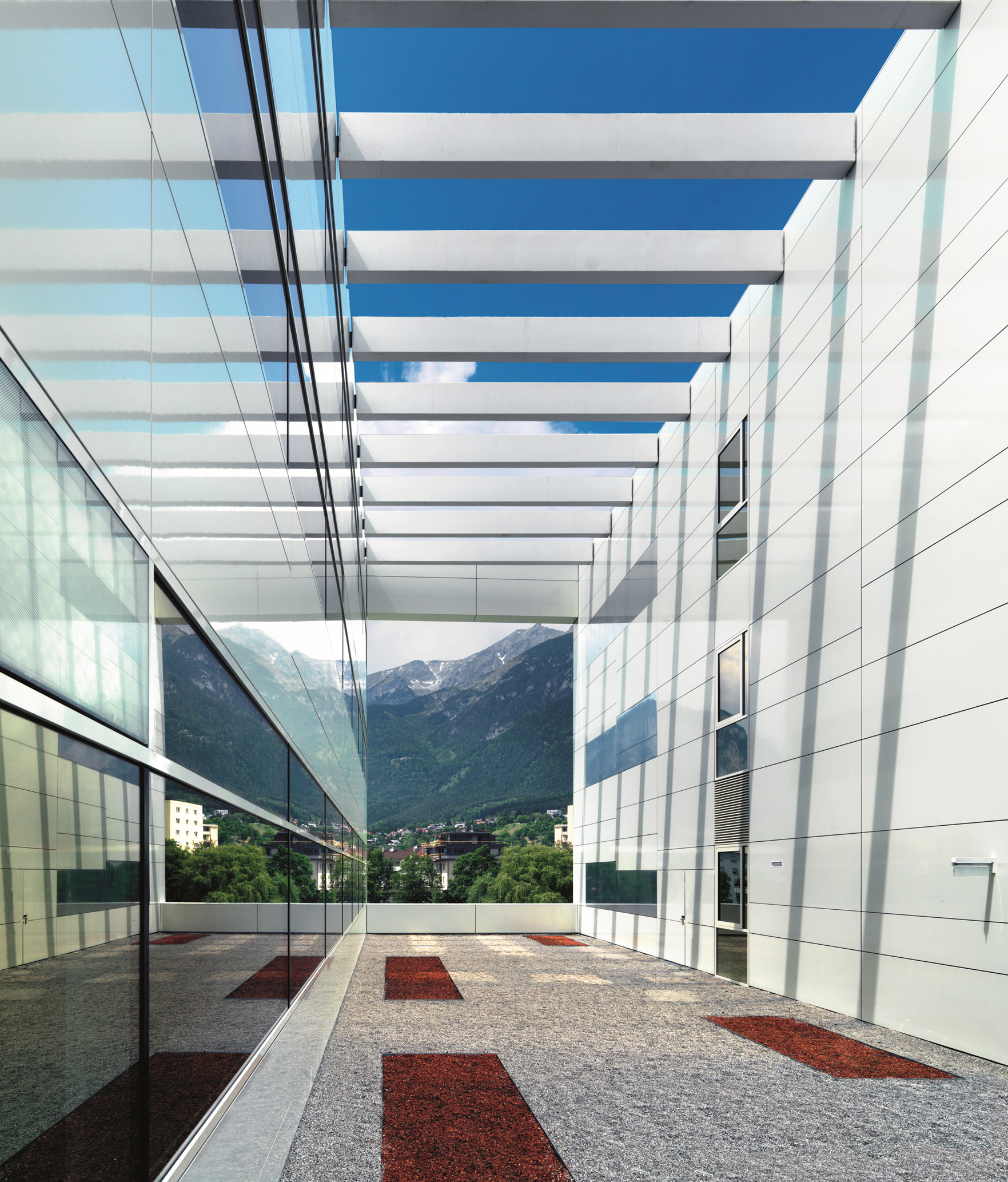 Centre for chemistry and biomedicine university of for Architektur innsbruck